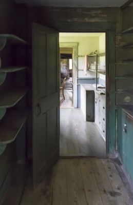 05 - View from the pantry to the workshop