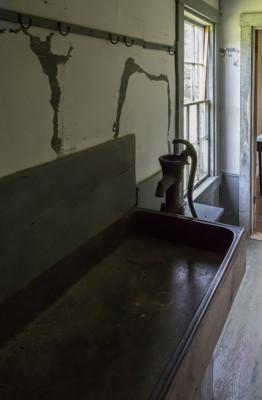 09 - Kitchen sink