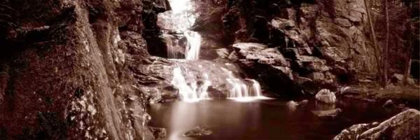 09_Mother-Nature's-Eisle_Jailer-Falls_Roak